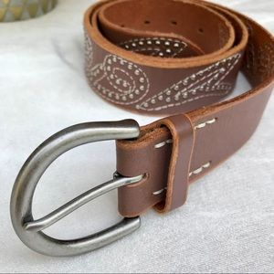 LINEA PELLE Leather Studded Swirl Round Buckle